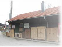Alte Bauernmöbel Am Bahnhof In Siegsdorf